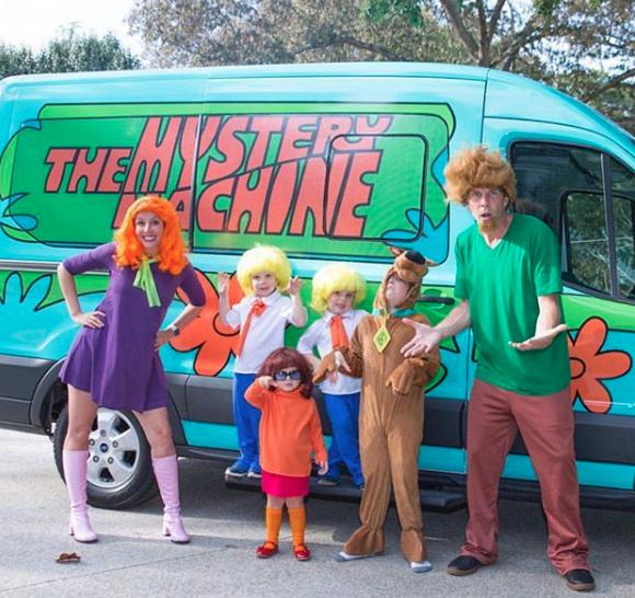 Scooby Doo Mystery Machine fo Halloween | @JesseItzler